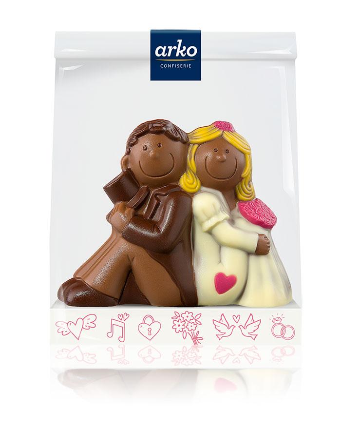schokoladen-hochzeitspaar-edelvollmilch-schokolade-von-arko-130-g