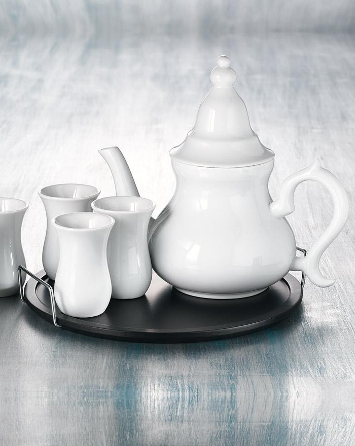 omani-luxus-teekanne-mit-sechs-orientalischen-teetassen-und-teekanne