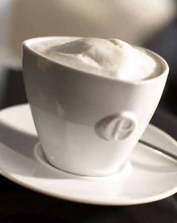 Milchkaffeetasse Primus Omnium