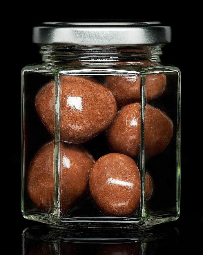 erdbeeren-in-vollmilchschokolade-gourvita-moments-60g-glas